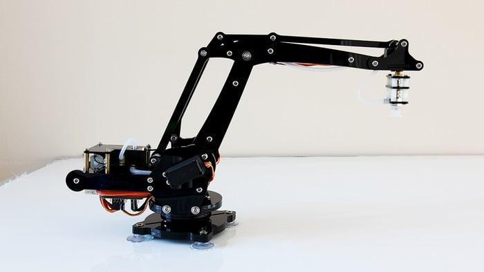 Uarm desktop robot arm industrial devolution technabob
