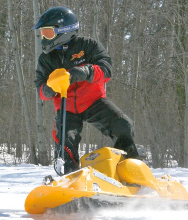 gas_powered_snowboard_1