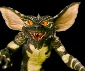 Guy Builds Amazing Gremlins Puppet