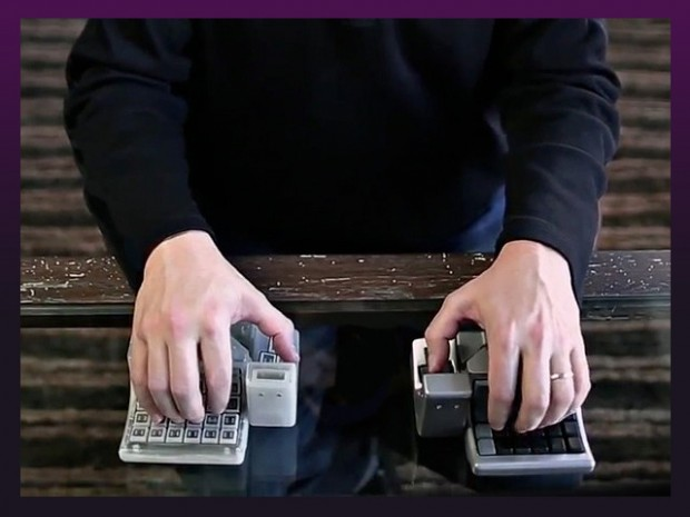 king's-assembly-mouse-keyboard-hybrid-by-solid-art-labs-2