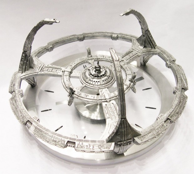 star trek deep space nine clock 1 620x555