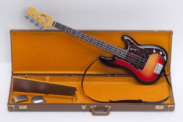tiny_fender_guitars_2