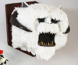 DIY Wampa Taxidermy Head Made from Paper and Lots of Awesome