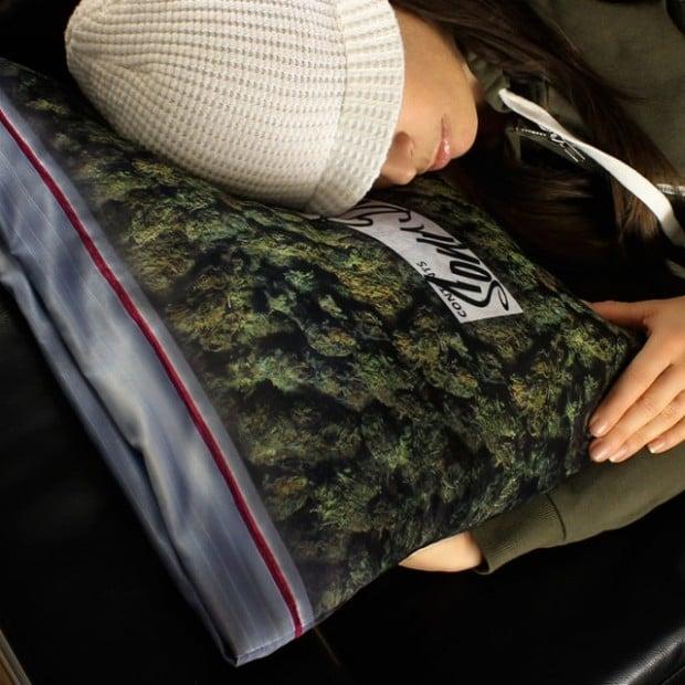 weed pillowcase2