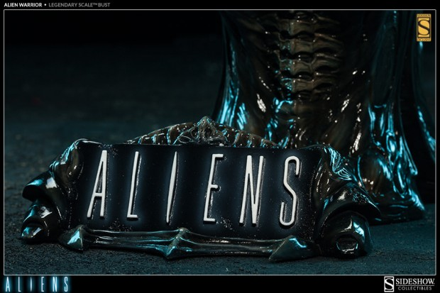 alien legendary scale warrior bust by sideshow collectibles 6 620x413