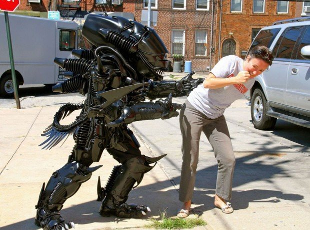 alien-xenomorph-costume-by-peter-kokis-3