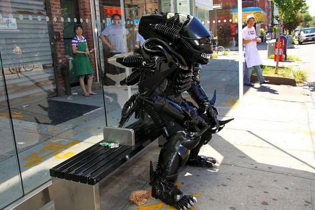 alien-xenomorph-costume-by-peter-kokis-5