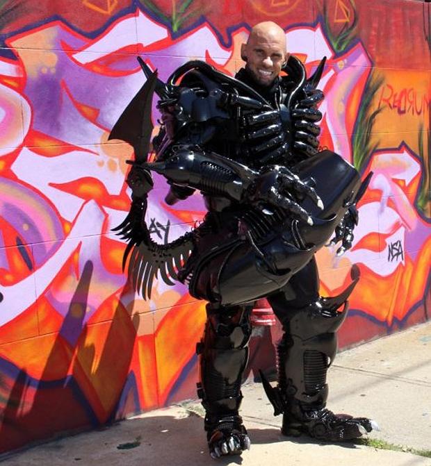 alien-xenomorph-costume-by-peter-kokis-6