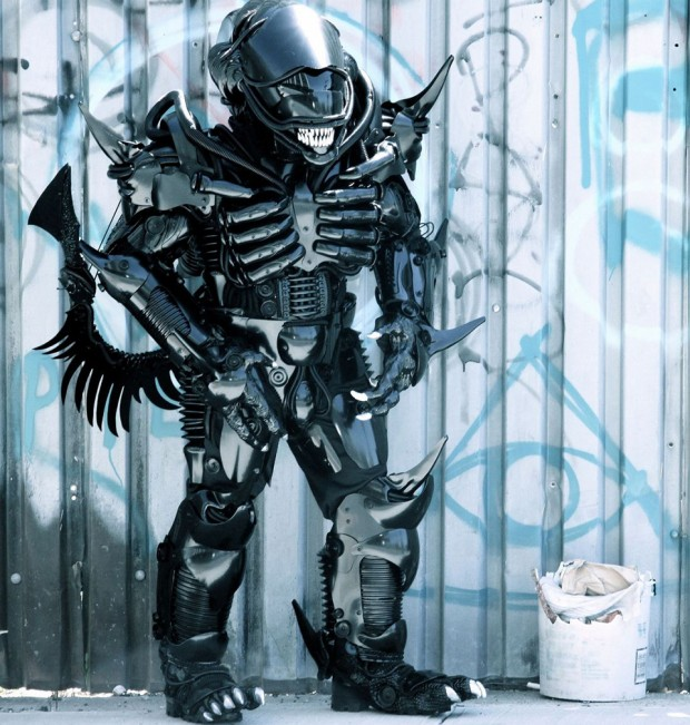 alien xenomorph costume by peter kokis 620x651