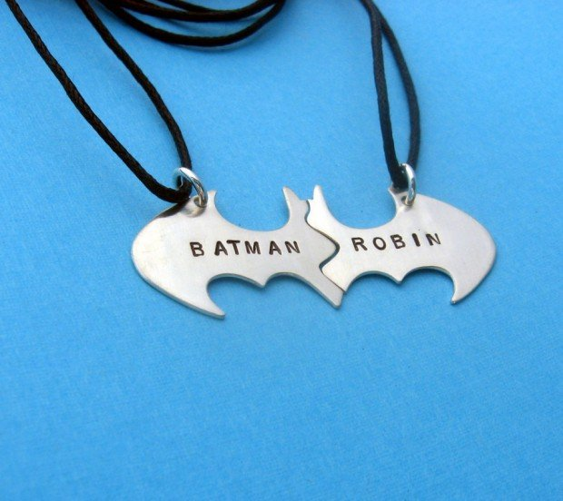 batman and robin necklace
