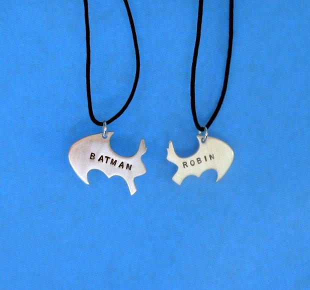 batman and robin necklace1