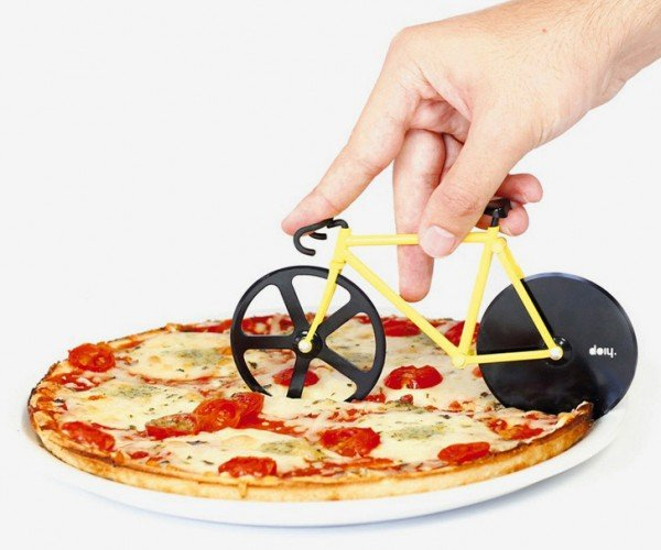 Bicycle Pizza Cutter: Stay in the Cheese Lane