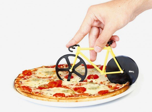 bike_wheel_pizza_cutter_1