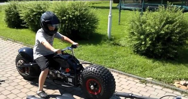 Newest Cool Boy Toys : Dad builds kids a batpod replica technabob