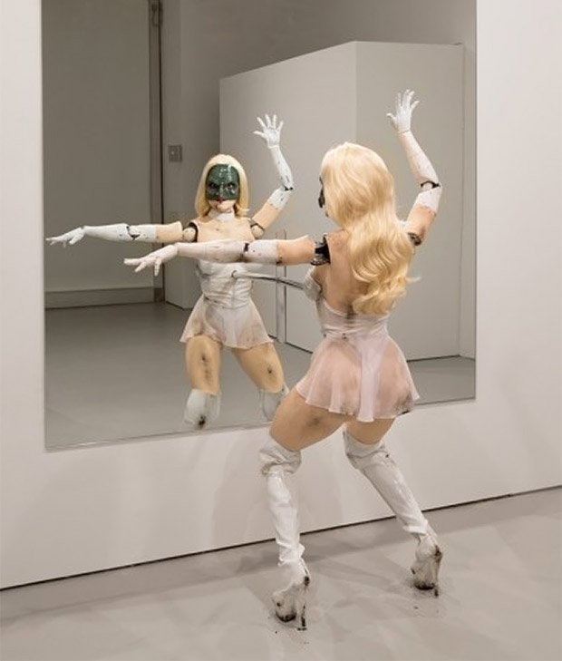 creepy_robot_dancing