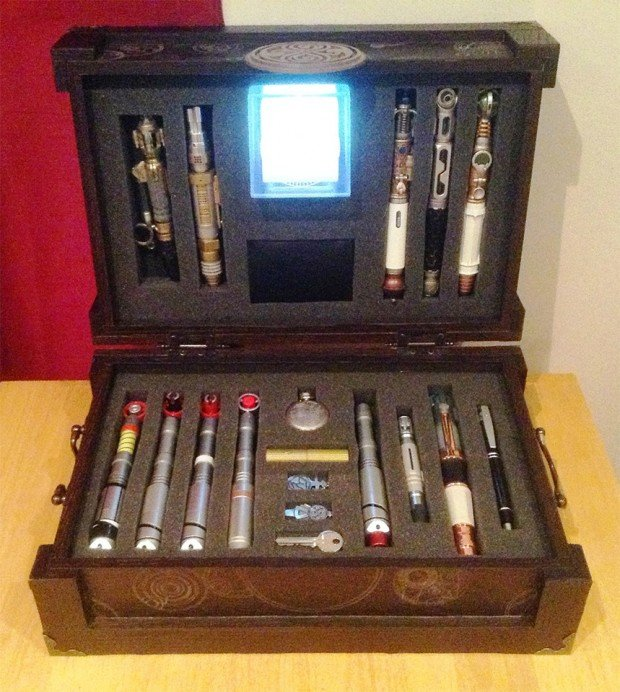 doctor who sonic screwdriver briefcase 1 620x692