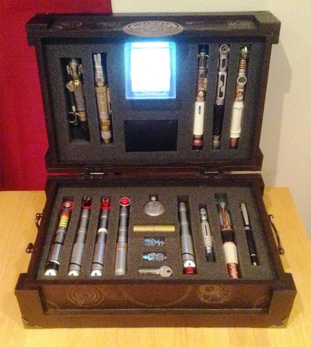 doctor_who_sonic_screwdriver_briefcase_1