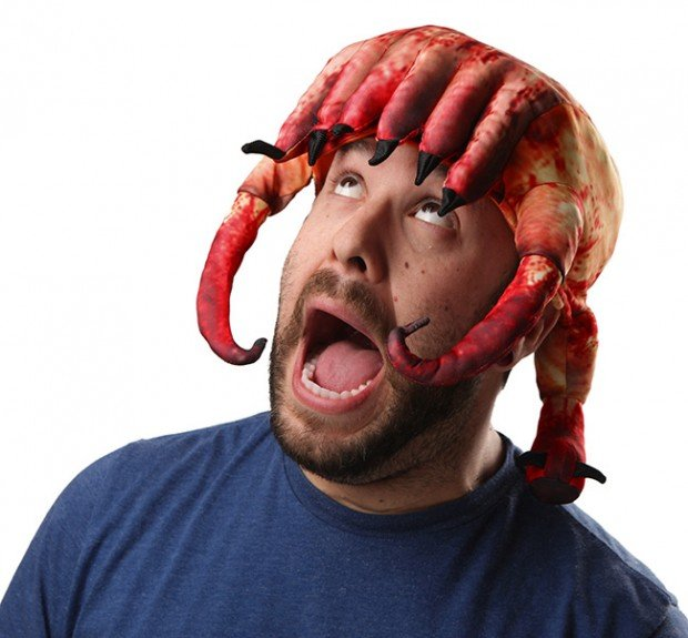 half life 2 headcrab hat from thinkgeek 620x575
