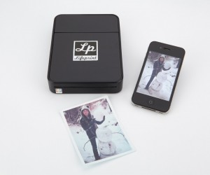 LifePrint Wireless Photo Printer Lets You Share Photos Online and Offline