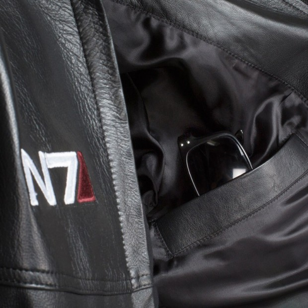 mass-effect-n7-leather-jacket-6