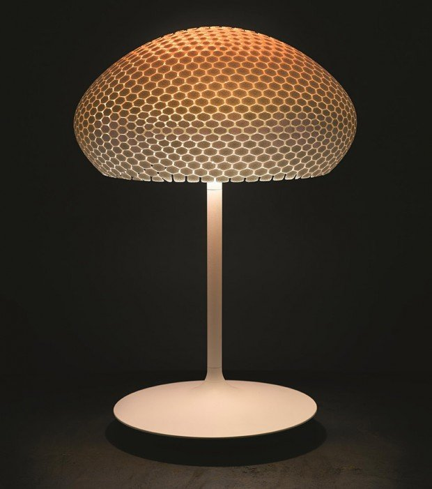 philips hue dragonfly table lamp 620x701