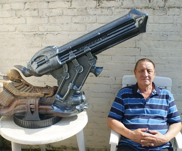 Guy Builds Awesome Scale Model of Alien Space Jockey