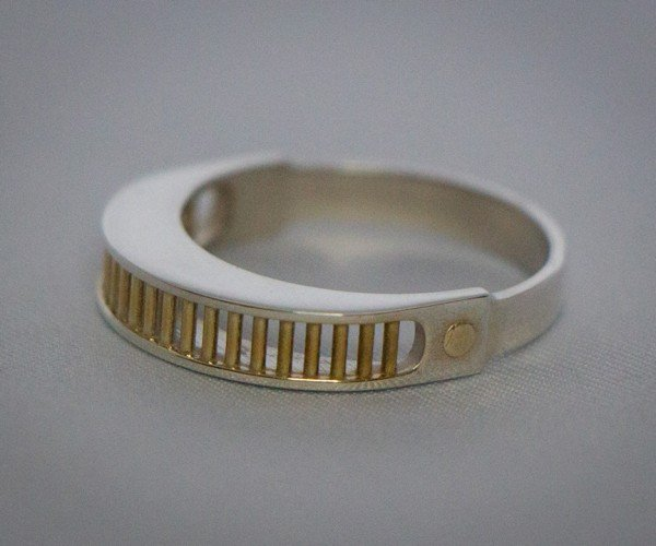 Geordi La Forge VISOR Ring Will Have Your Finger Reading Rainbows