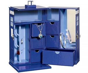 Keep Your Precious in a TARDIS Jewelry Box