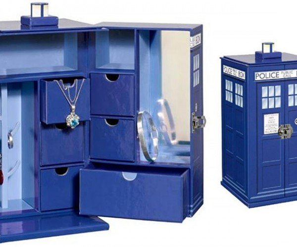 Keep Your Precious in a TARDIS Jewelry Box