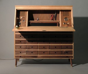 Beautiful Wooden Workbench Hides a PC: Maker's Desk
