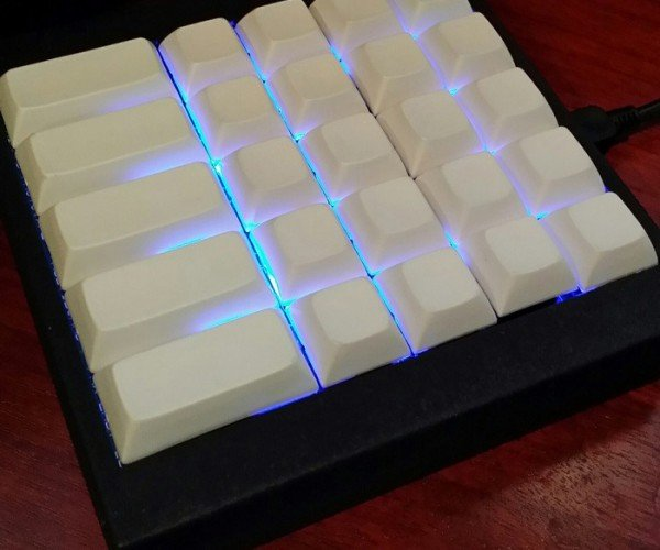 Aimpad Analog Keyboard: For More Nuanced Fragging