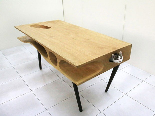 catable cat table 1 620x466