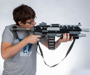 LEGO Titanfall Weapon Replicas: Anti-Minifig Guns