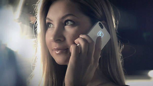 lunecase-iphone-girl