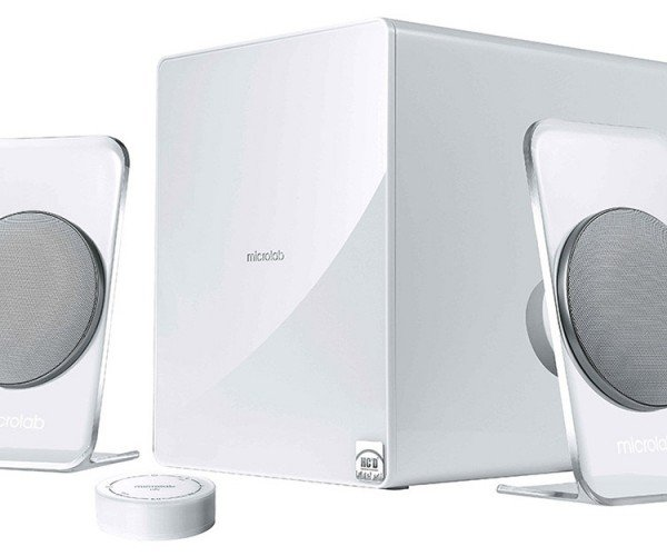 Microlab FC60BT 2.1 Speaker System Promises Crystal Clear Sound, Transparent Stands