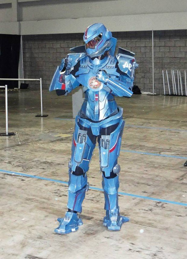 Gipsy Danger Cosplay: Pacific Dream - Technabob Pacific Rim Blueprints