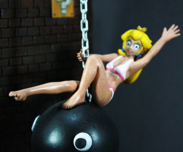 Princess Peach Wrecking Ball Diorama: Chain Chomp Cyrus