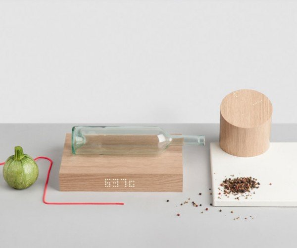 GKILO Automatic Kitchen Scale Weighs Items and Helps You Cook Them