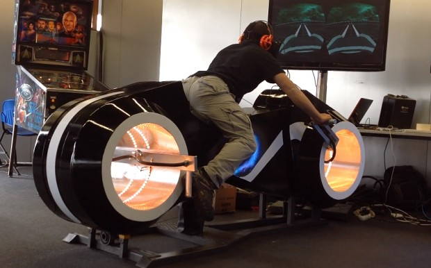 tron light cycle virtual reality arcade game oculus rift 620x386