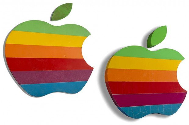 apple 1977 rainbow logo headquarter signs 620x409