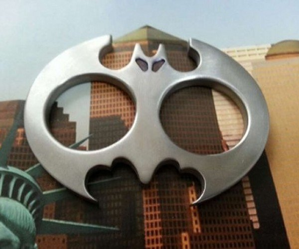 Batman Brass Knuckles: POW! KRAKK! SOK!