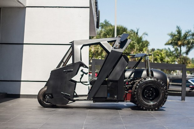 batman mini tumbler golf cart by marcs creature company 4 620x413