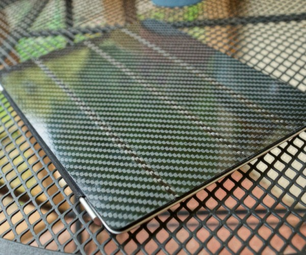 Common Fibers Carbon Fiber Wallets & Cases: Making Them Oh So Light!
