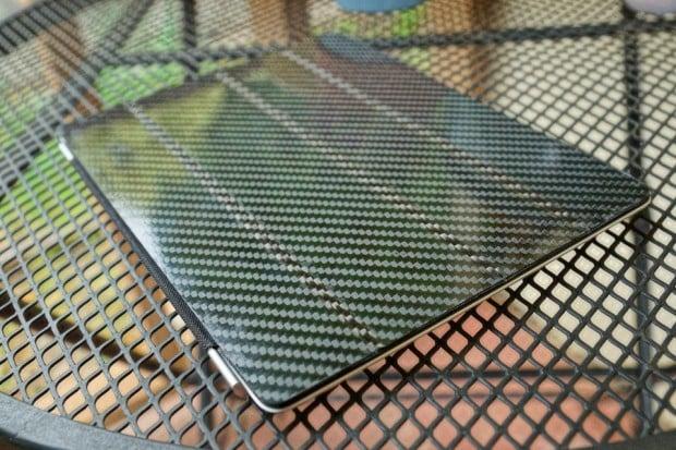 carbon-fiber-common-ipad-cover