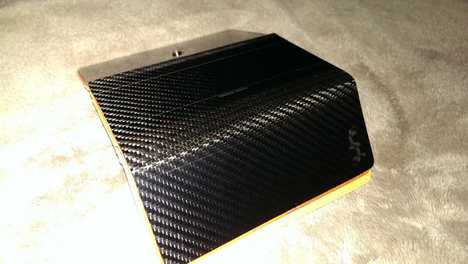 Carbon Fiber Iphone Case >> Common Fibers Carbon Fiber Wallets & Cases: Making Them Oh So Light! - Technabob
