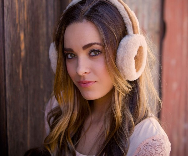 Ear Muff Bluetooth Headphones: Just in Time for Summer!
