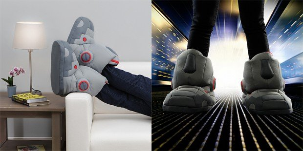 giant robot slippers by thinkgeek 620x310