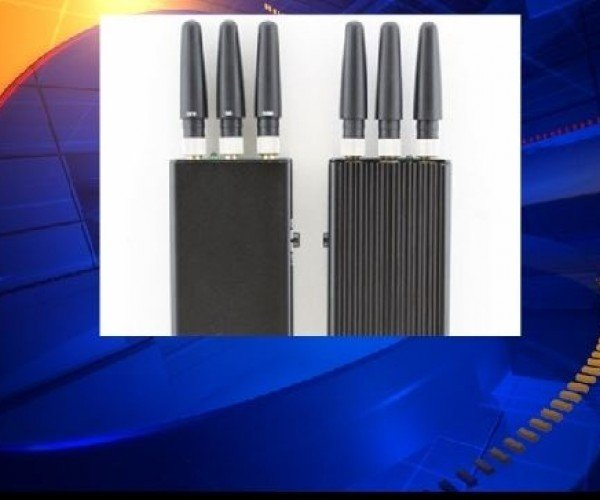 Guy Used Cell Phone Jammer for 2 Years During Commute