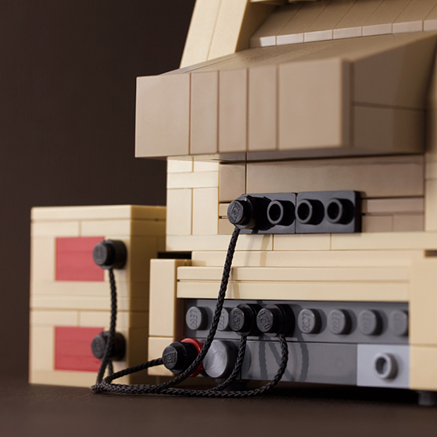 lego-apple-ii-computer-by-chris-mcveigh-powerpig-4