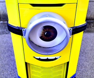 Awesome Despicable Me PC Casemod: Assemble the Minion!